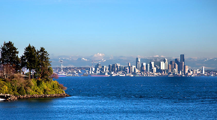 Bainbridge Island Tours In Seattle Peek